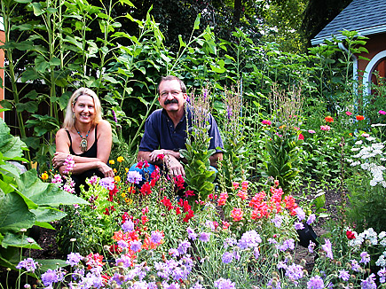 Allen and Mary Dee in the Garden
